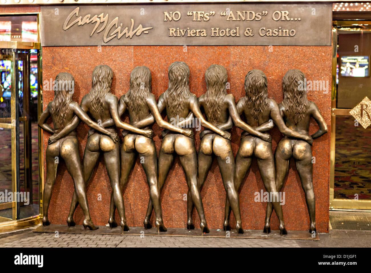 Crazy Girls Monumento al Riviera casino e resort di Las Vegas, NV. Foto Stock