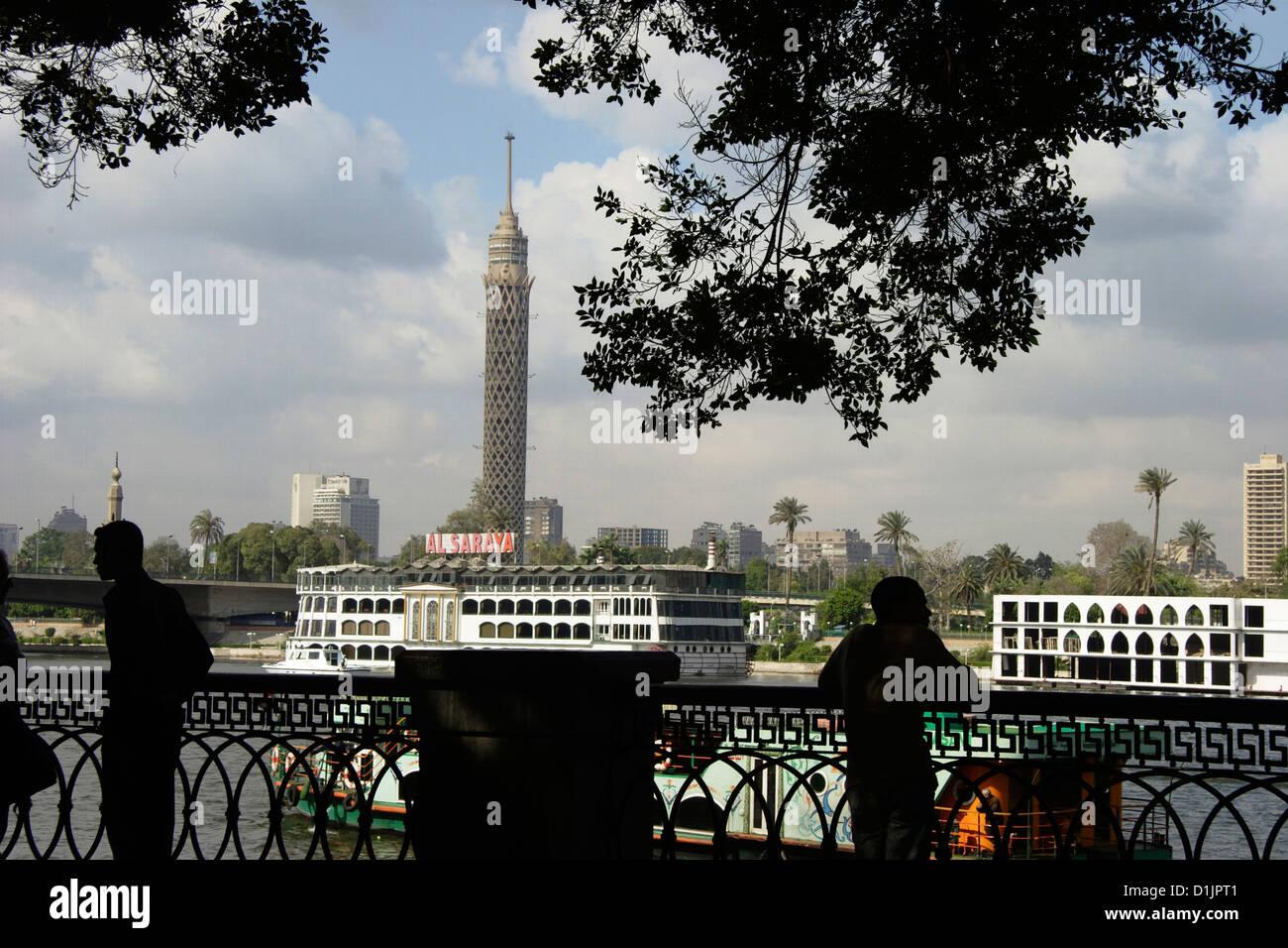 Egitto Cairo Torre de Il Cairo e il fiume Nilo lato Immagini Stock