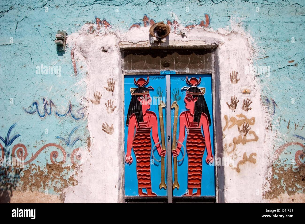 Gypt Luxor west bank porta di ingresso ad una casa a Gurna Immagini Stock