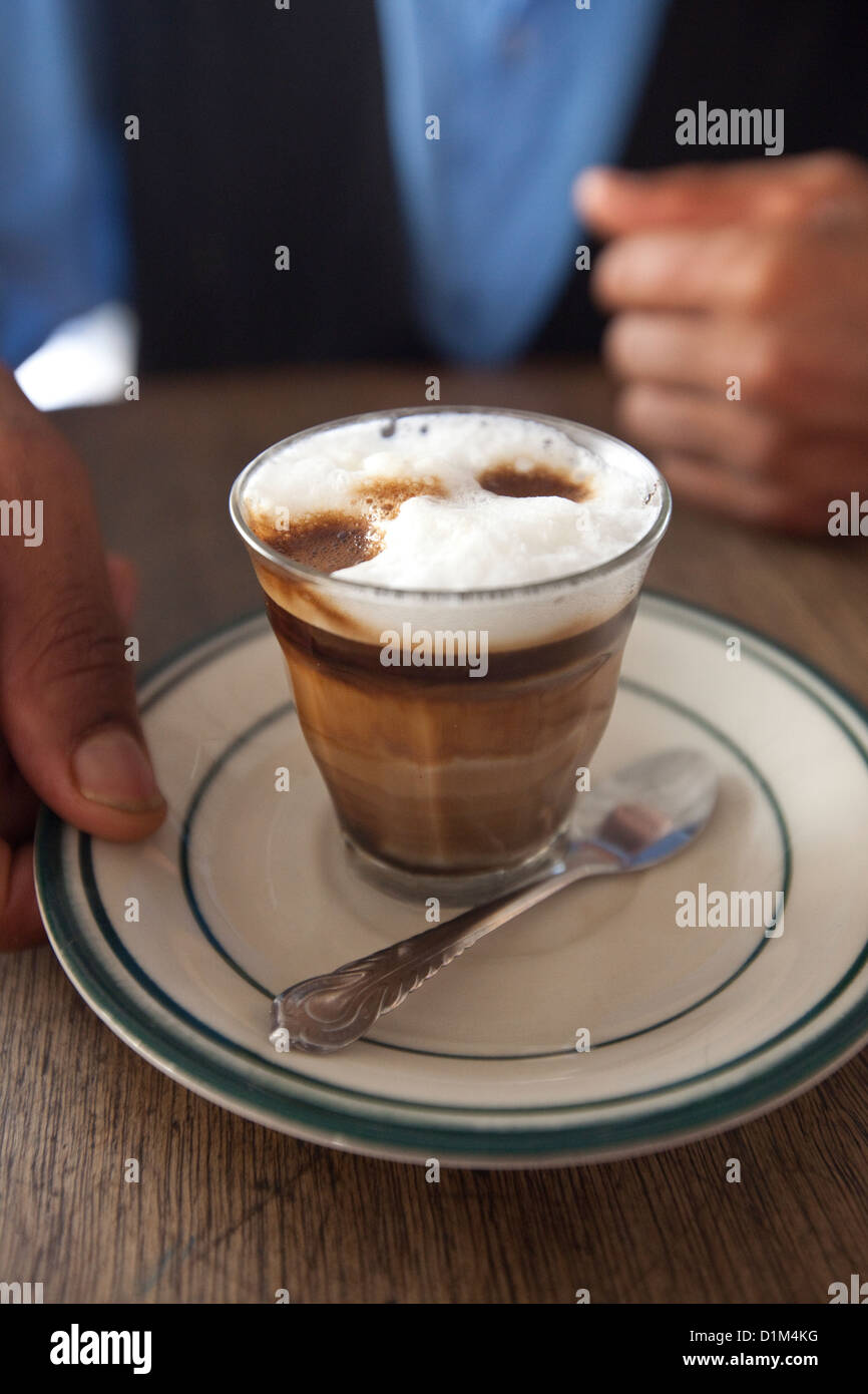 Il caffè viene servito in Harar, Etiopia. Immagini Stock