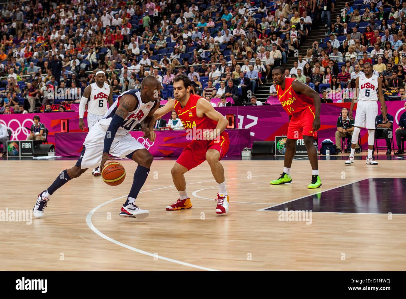 Kobe Bryant (USA) concorrenti in la medaglia d oro di pallacanestro degli uomini di gioco presso le Olimpiadi estive Immagini Stock