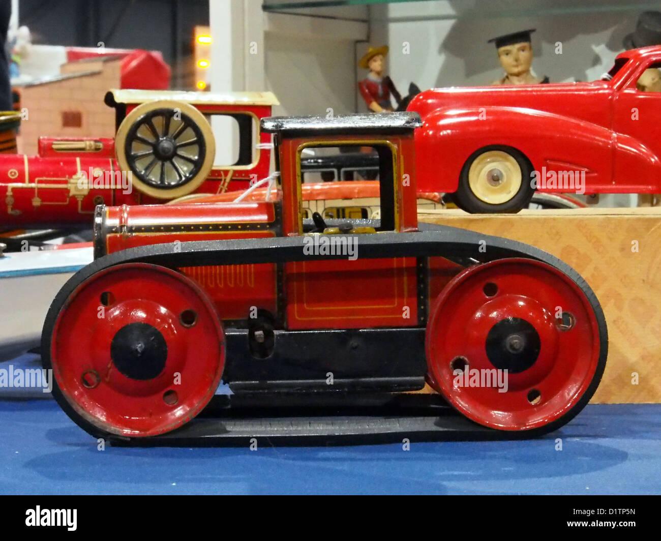 Litho giocattolo di stagno BW trattore Foto Stock