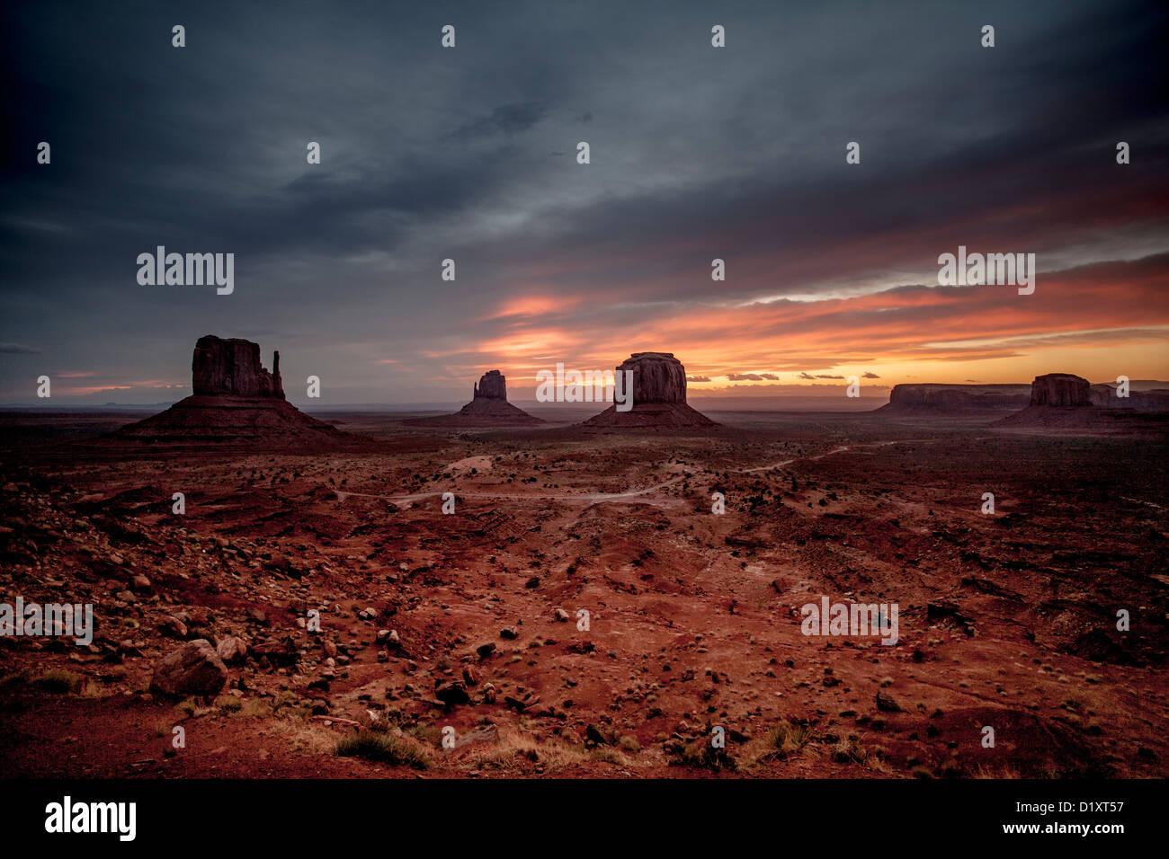 Il Monument Valley nel parco tribale Navajo Immagini Stock