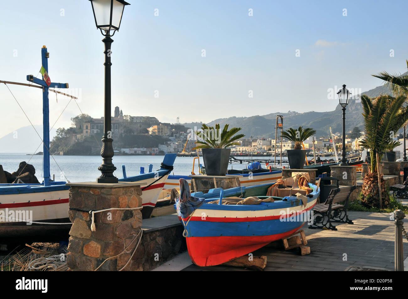 Seapromenade a Lipari, Isola di Lipari, Isole Eolie, in Sicilia, Italia Immagini Stock
