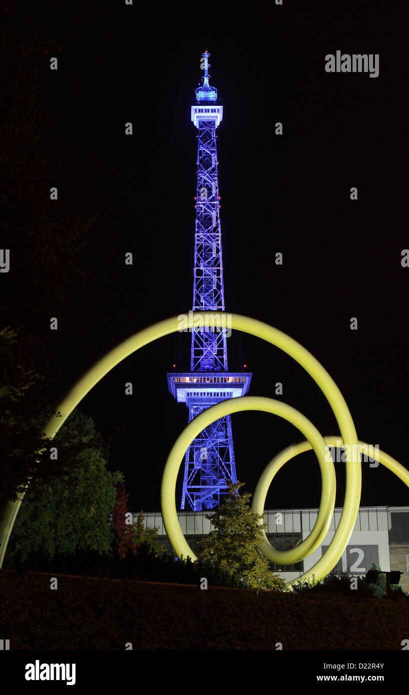 Berlino, Germania, la torre della Radio durante la festa delle luci 2012 Immagini Stock