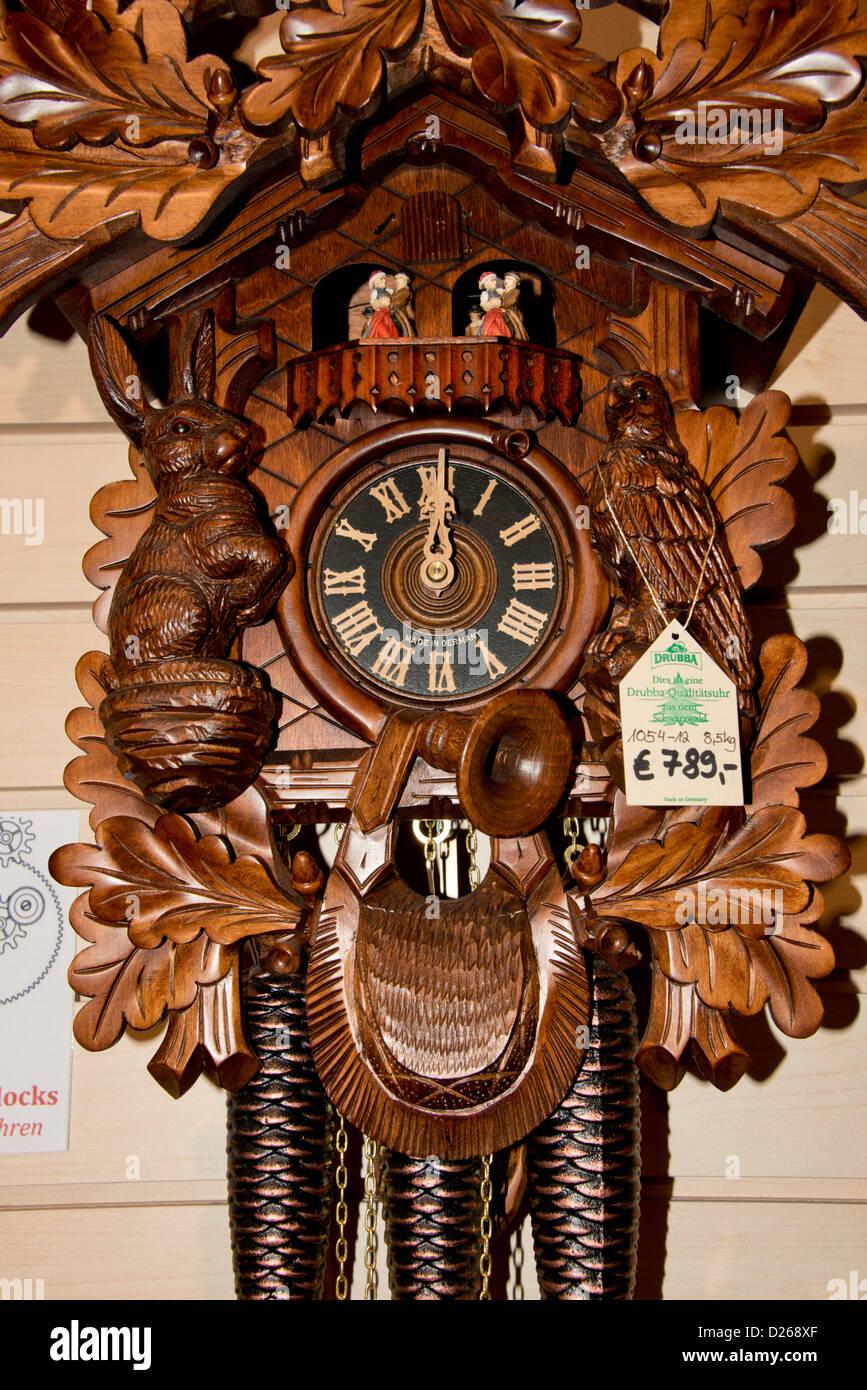 Black forest clock immagini black forest clock fotos for Casa tradizionale tedesca