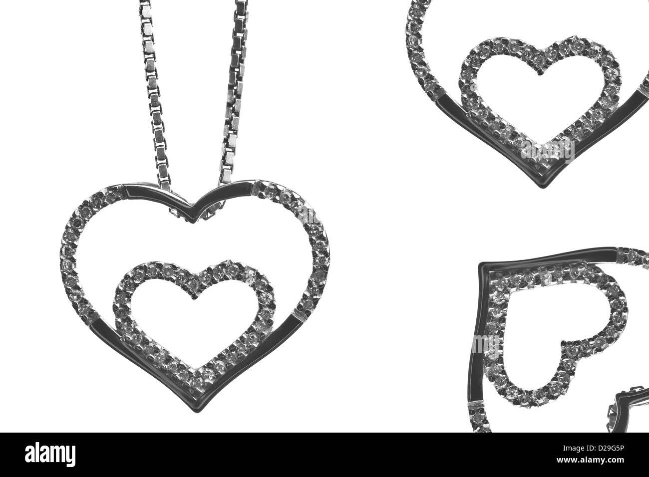 A forma di cuore collana in argento con p Immagini Stock
