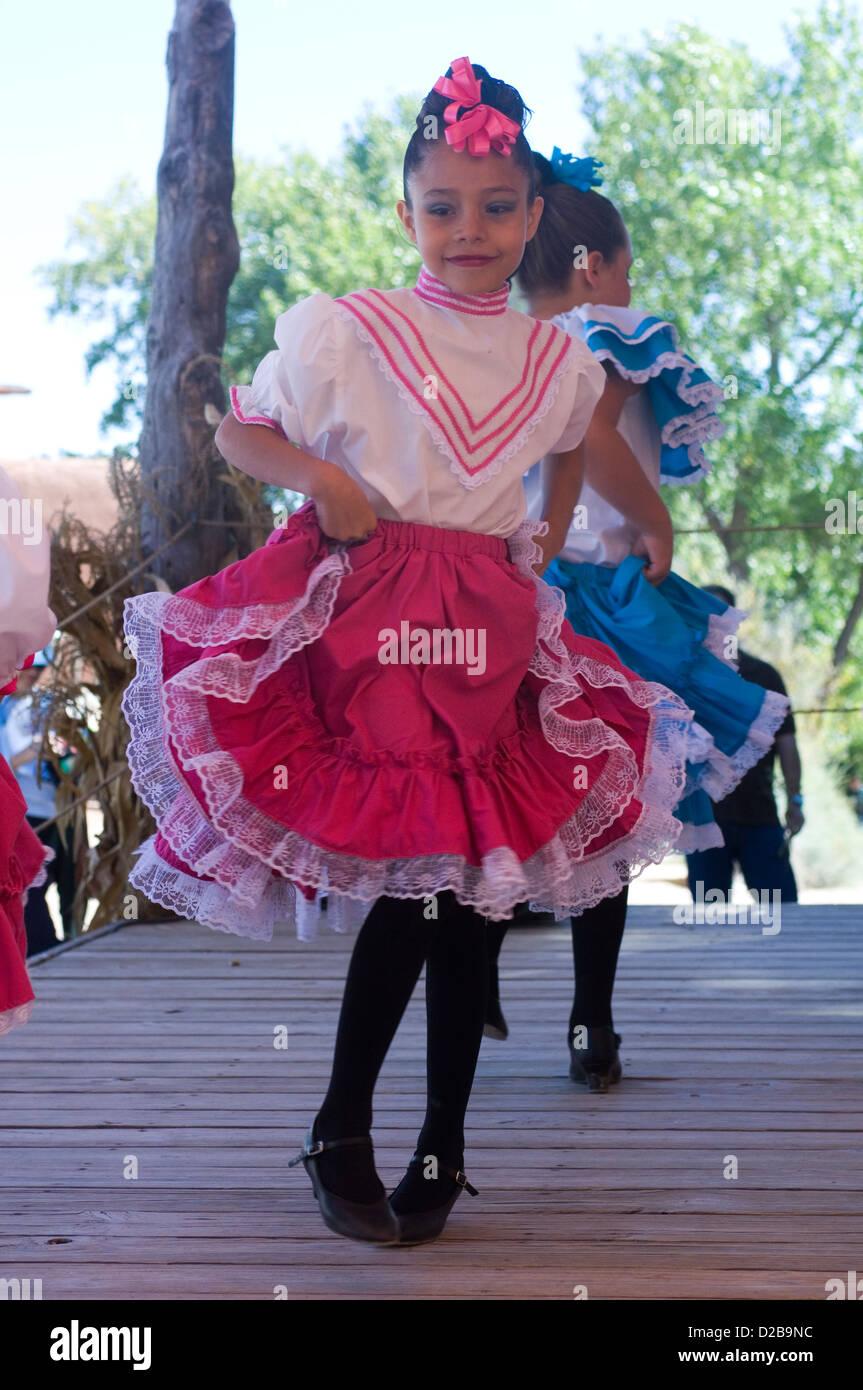 Messicano ballerini folk El Rancho De Las Golondrinas che è museo vivente di storia del xviii secolo coloniale Immagini Stock