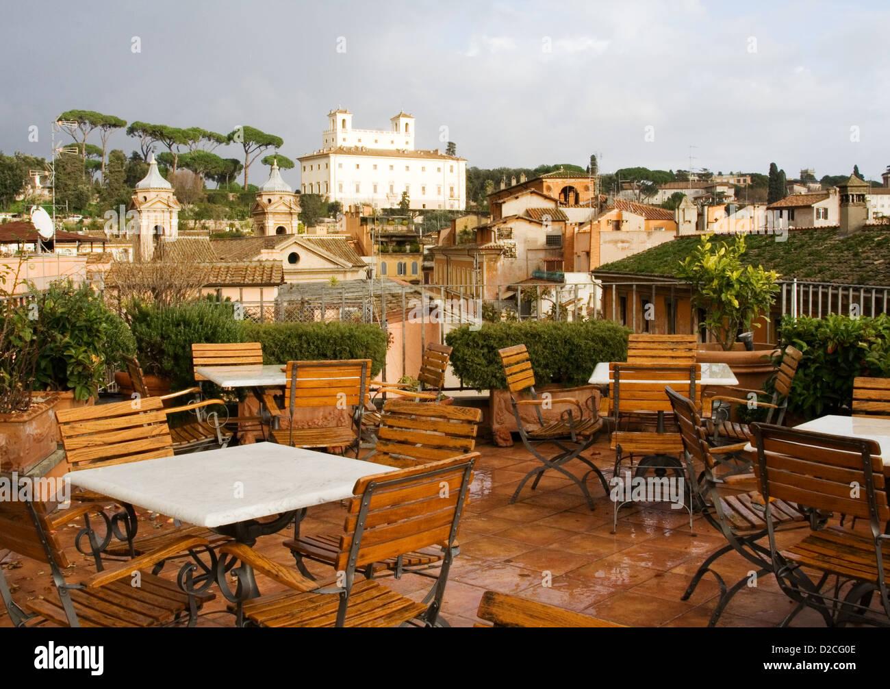Cafe su un tetto, Roma Immagini Stock