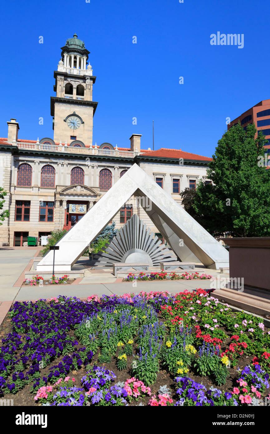 Seguire il sole la scultura, pionieri Museum, Colorado Springs, Colorado, Stati Uniti d'America, America del Immagini Stock