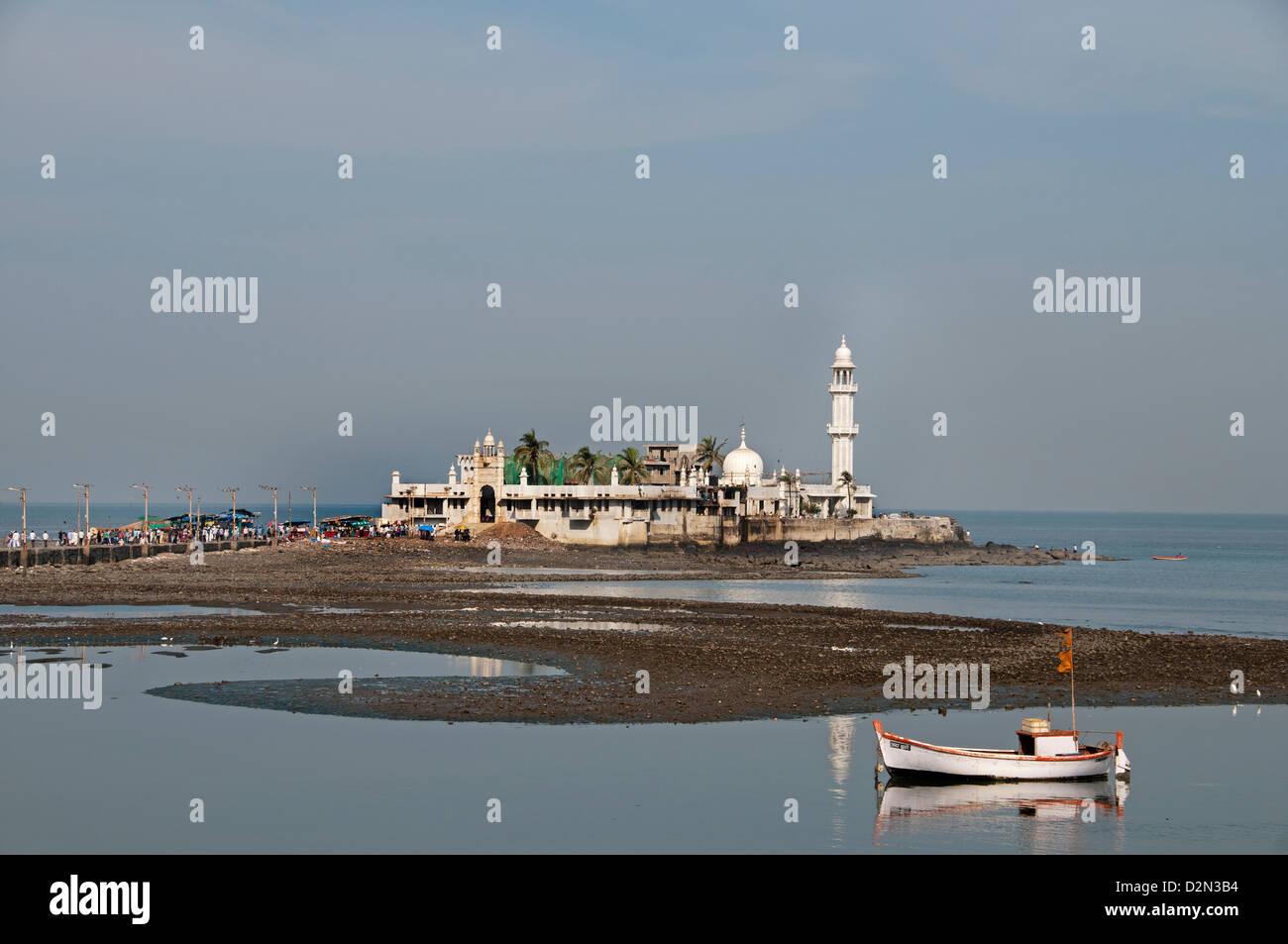 Haji Ali moschea sobborghi Bandra Mumbai ( Bombay ) India Bay Immagini Stock