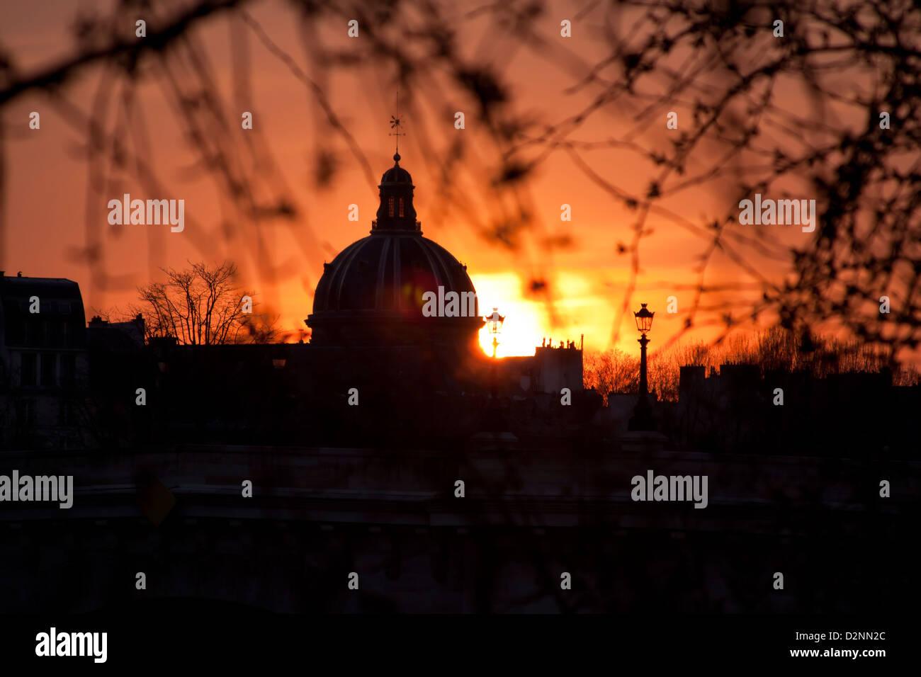 tramonto a Parigi Foto Stock