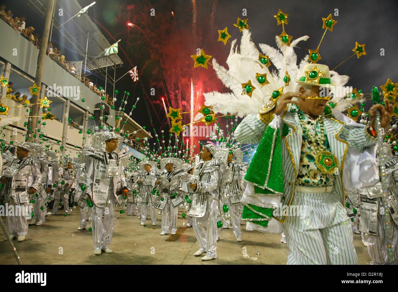 Sfilata di Carnevale al Sambodrome, Rio de Janeiro, Brasile, Sud America Immagini Stock