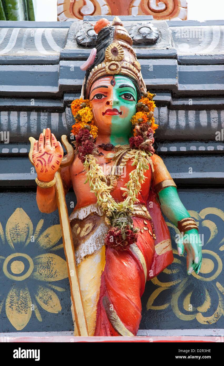 Decorazione colorata al di fuori del Subrahmanya Hindu Temple, Munnar Kerala, India, Asia Immagini Stock