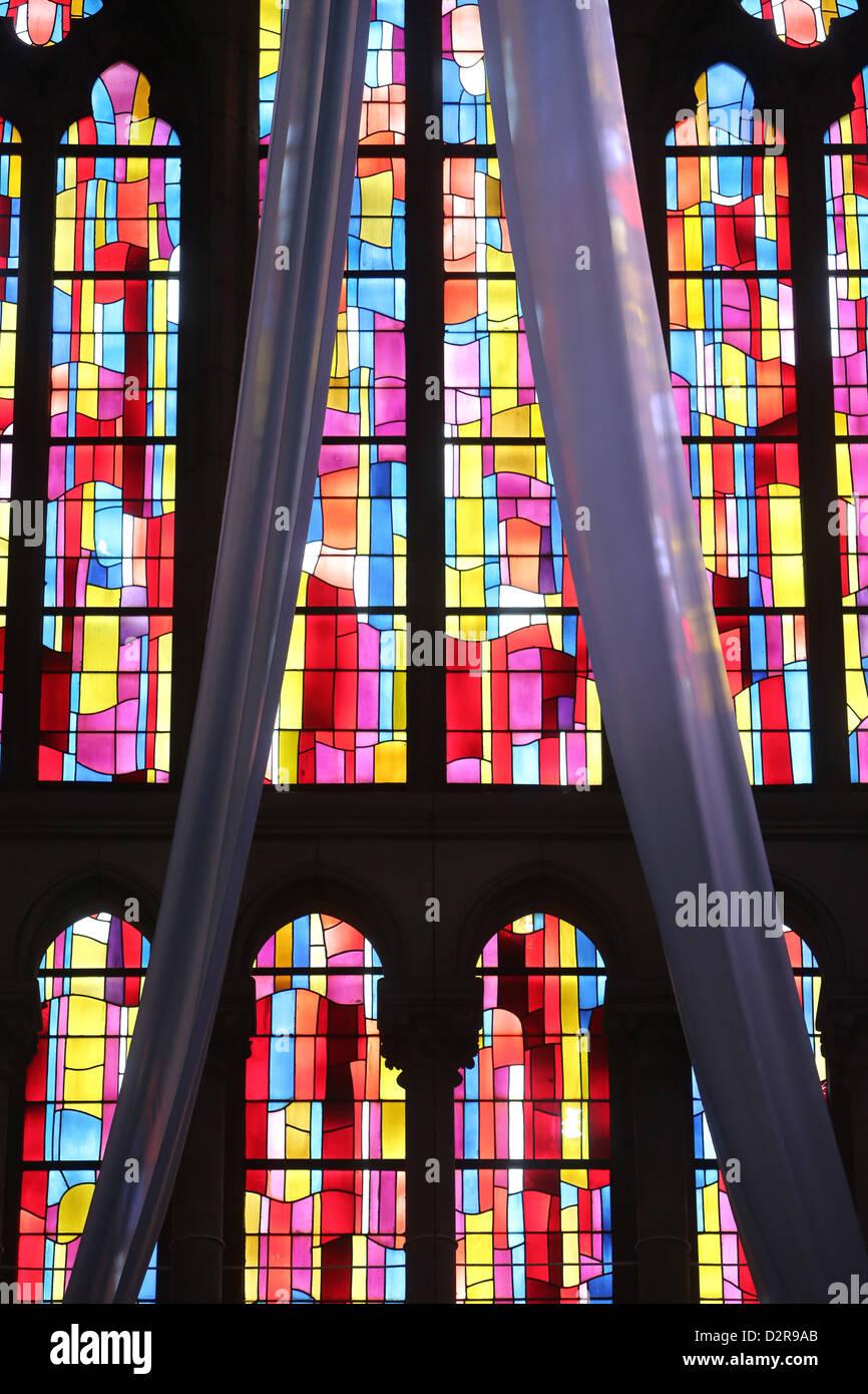 Le finestre di vetro macchiate, chiesa di Notre Dame du Perpetuel Secours, Parigi, Francia, Europa Immagini Stock