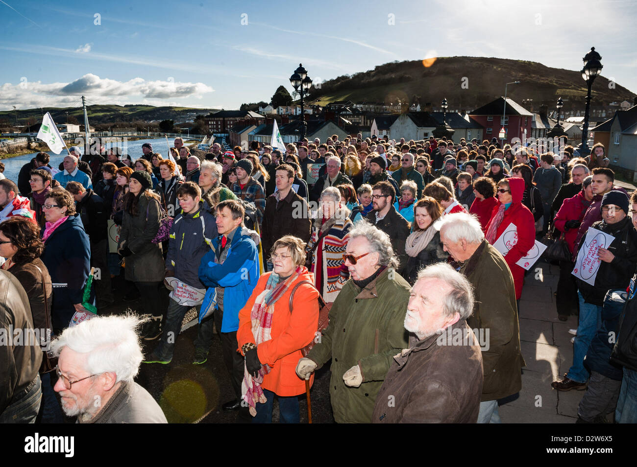 Il 2 febbraio 2013. Aberystwyth, Wales, Regno Unito. Esattamente 50 anni dopo l'originale 'sit down protesta Immagini Stock