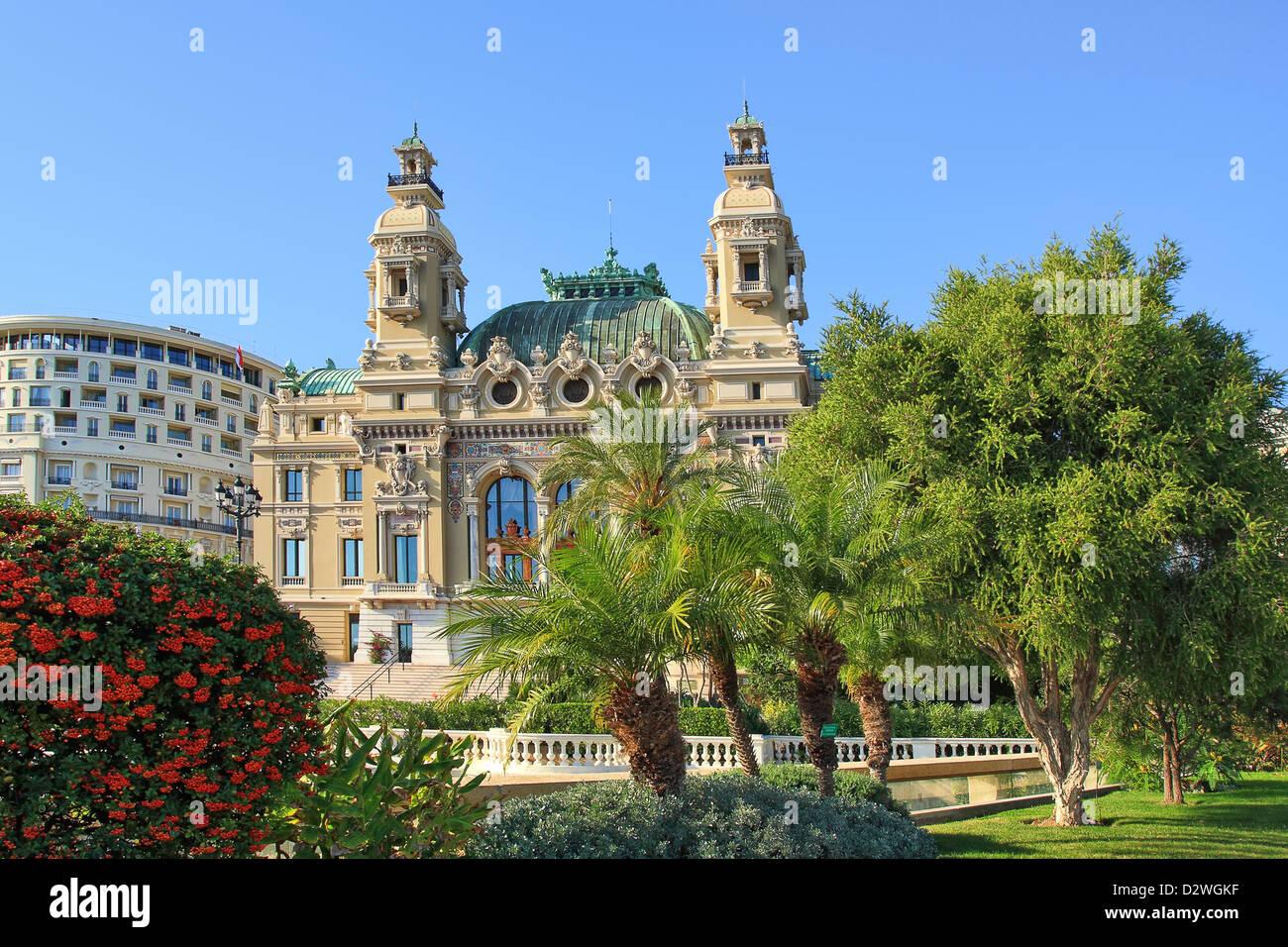 La facciata della famosa Opera de Monte-Carlo (Salle Garnier) come parte del Casinò di Monte Carlo a Monaco. Immagini Stock