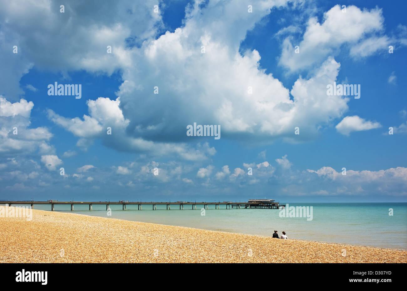Trattare la spiaggia e il molo, trattare, Kent Immagini Stock