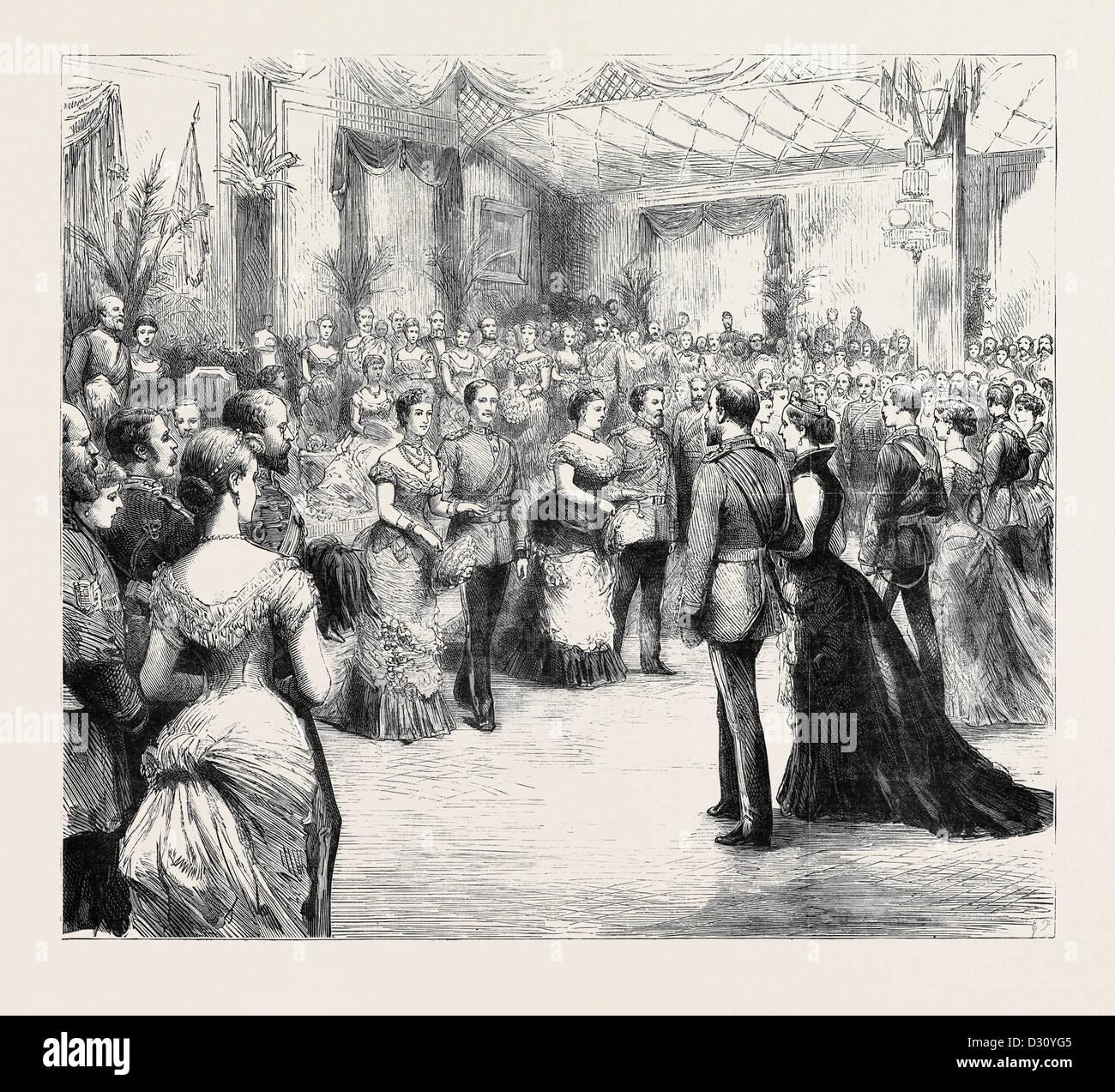 Il principe e la principessa di Galles alla onorevole compagnia di artiglieria della palla: l'apertura quadriglia Immagini Stock