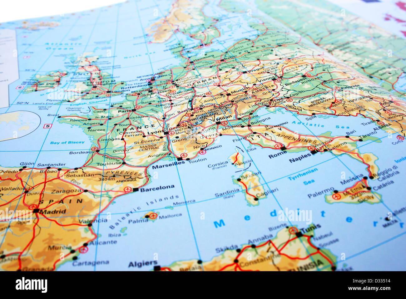 Cartina Fisica Europa Con Fiumi.Mappa Europa Con Le Montagne E I Fiumi Foto Immagine Stock