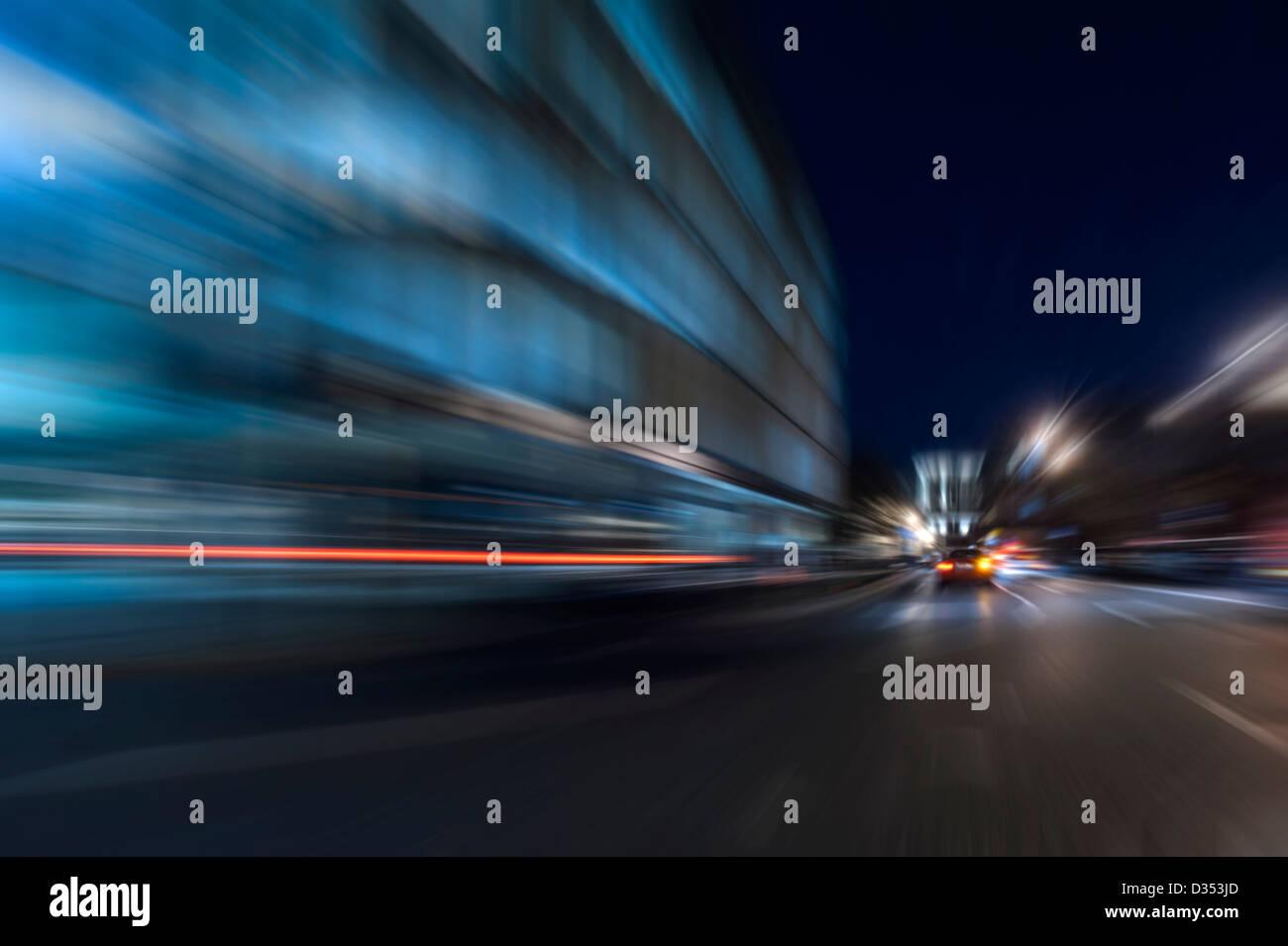 Di notte la velocità di accelerazione del movimento in astratto blu Immagini Stock