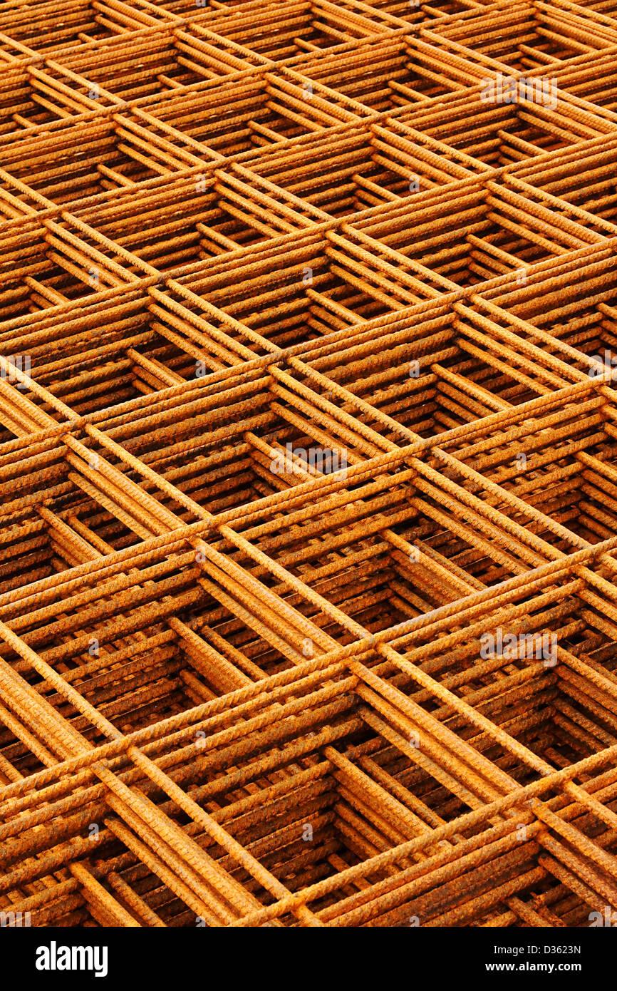 Reti metalliche saldate impilate creazione astratta industriale o ingegneria sfondo Immagini Stock