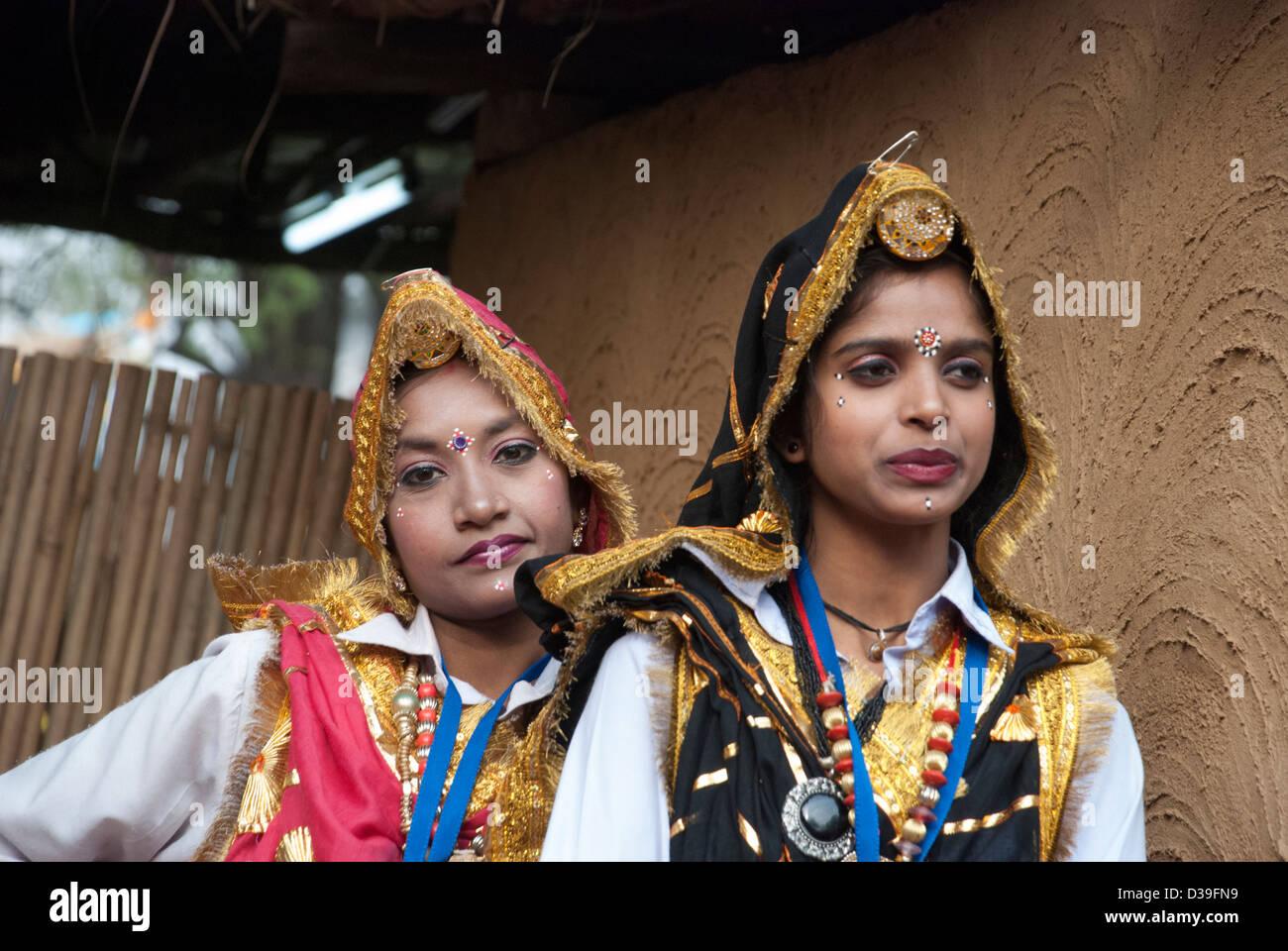 Ballerini Folk da Harayana a Surajkund Mela. Immagini Stock