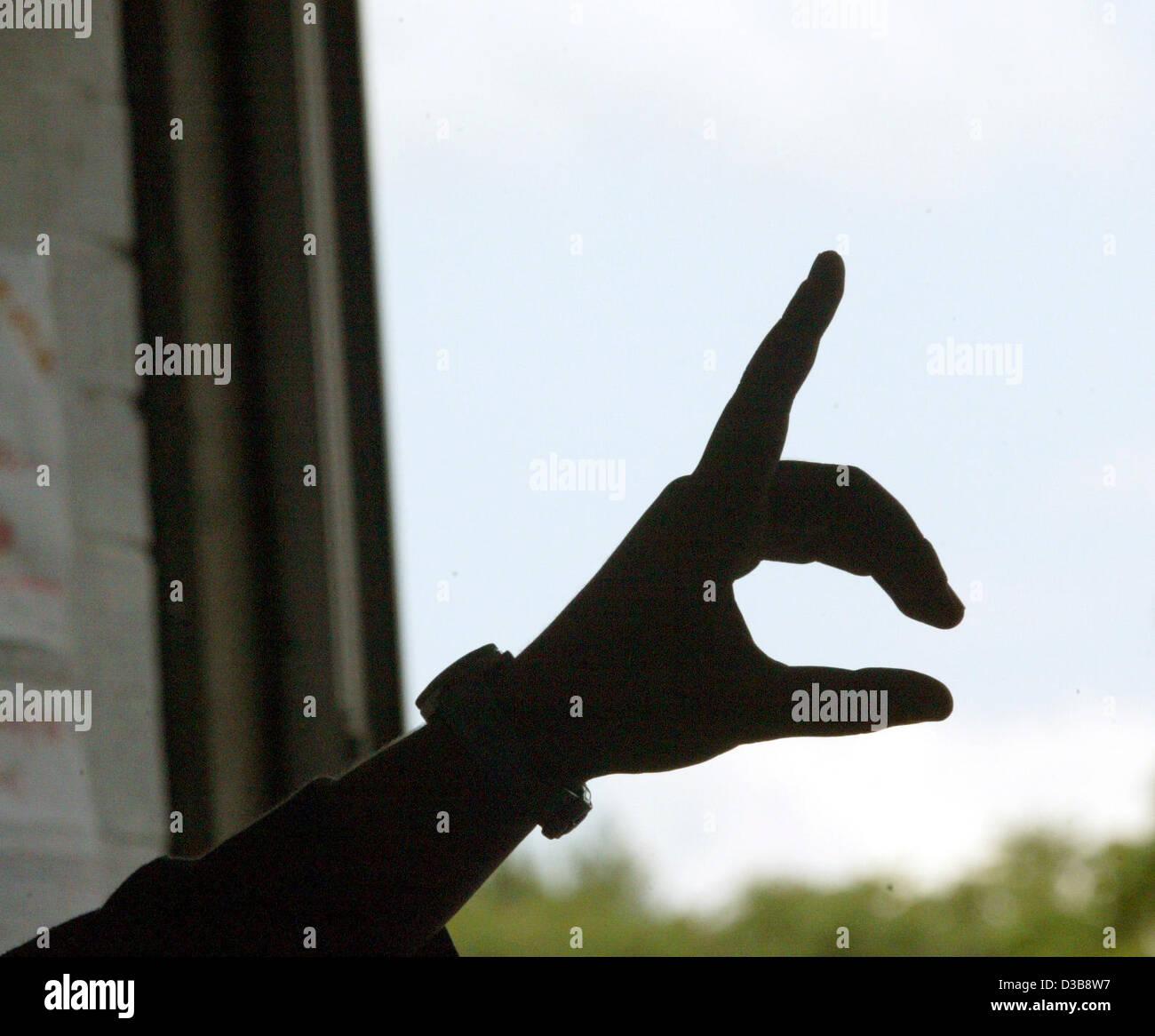 (Dpa) - uno studente del dito è in aria per indicare la richiesta di parlare alla Stauding full-time completo Immagini Stock