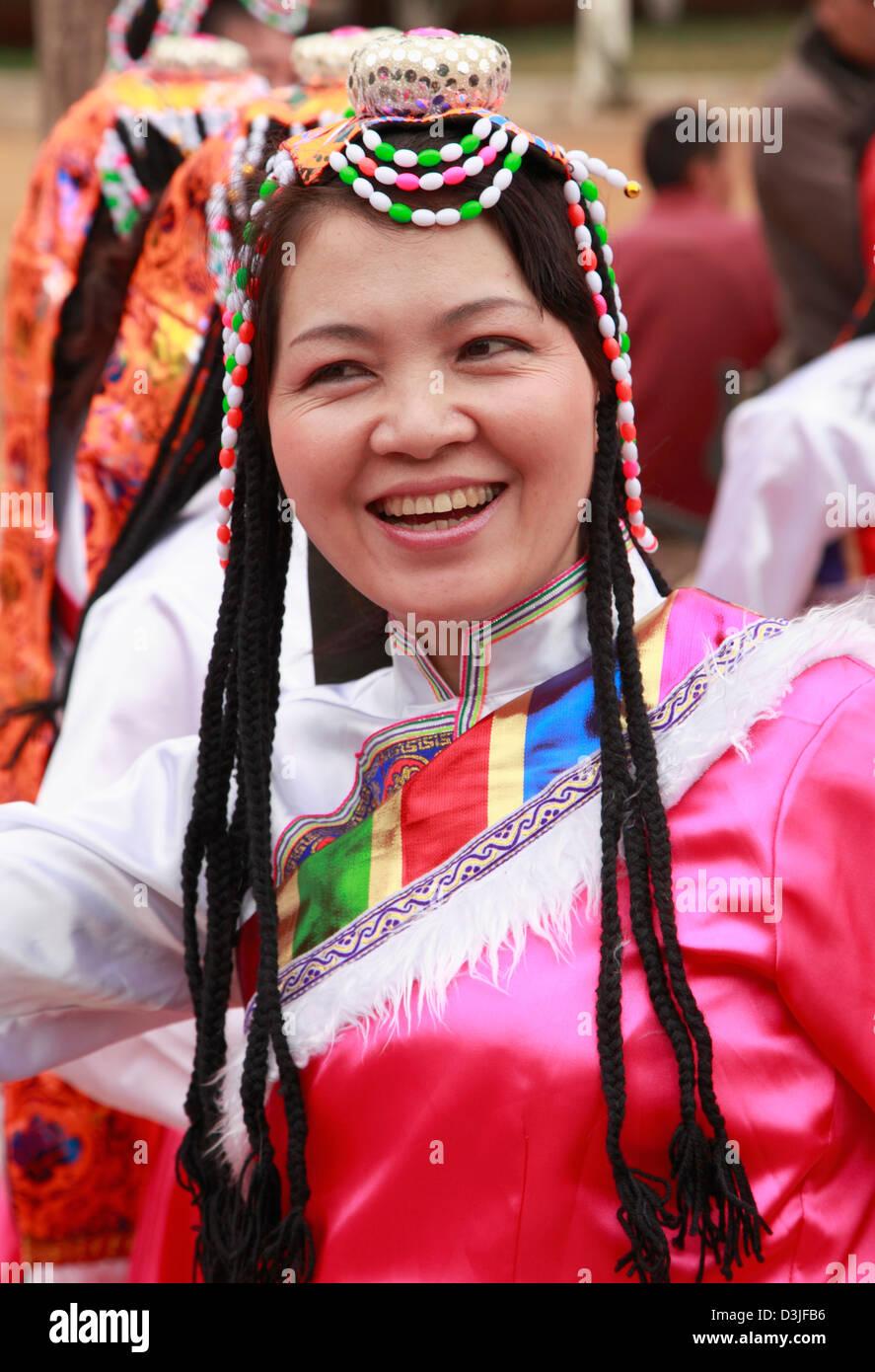 Cina Yunnan, Kunming, appartenenti a una minoranza etnica donna, Immagini Stock