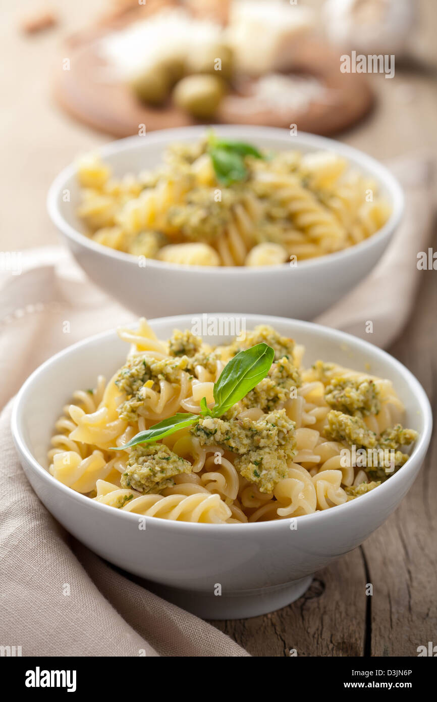 Pasta con tapenade di olive Immagini Stock