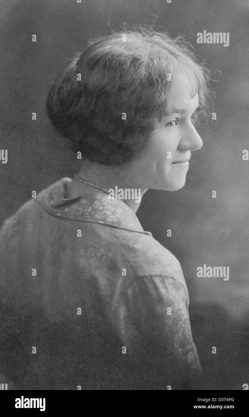 Il portoghese American college ragazza nel 1930. Pianificazione per essere un insegnante ha percorso Bay Institute Immagini Stock
