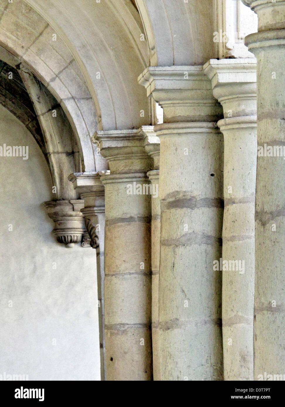 Come Chiudere Una Loggia loggia columns immagini & loggia columns fotos stock - alamy