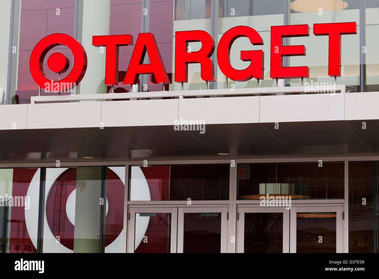 Storefront bersaglio segno Foto Stock