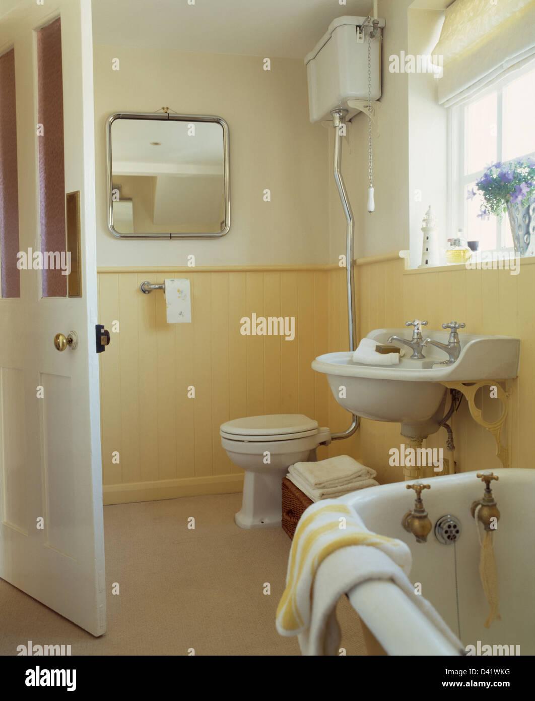 Metallo-specchio incorniciato e linguetta gialla+scanalatura ...