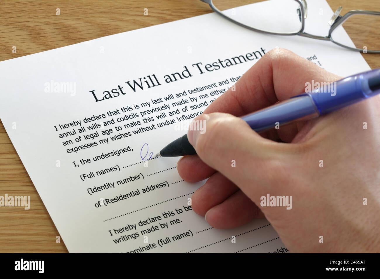 La firma di ultima volontà e testamento Immagini Stock