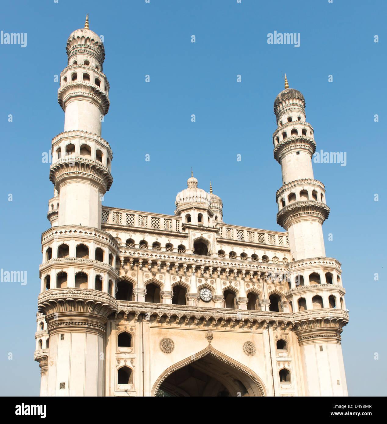 Hyderabad, India: Charminar o Quattro Torri è un prominente punto di riferimento. Immagini Stock