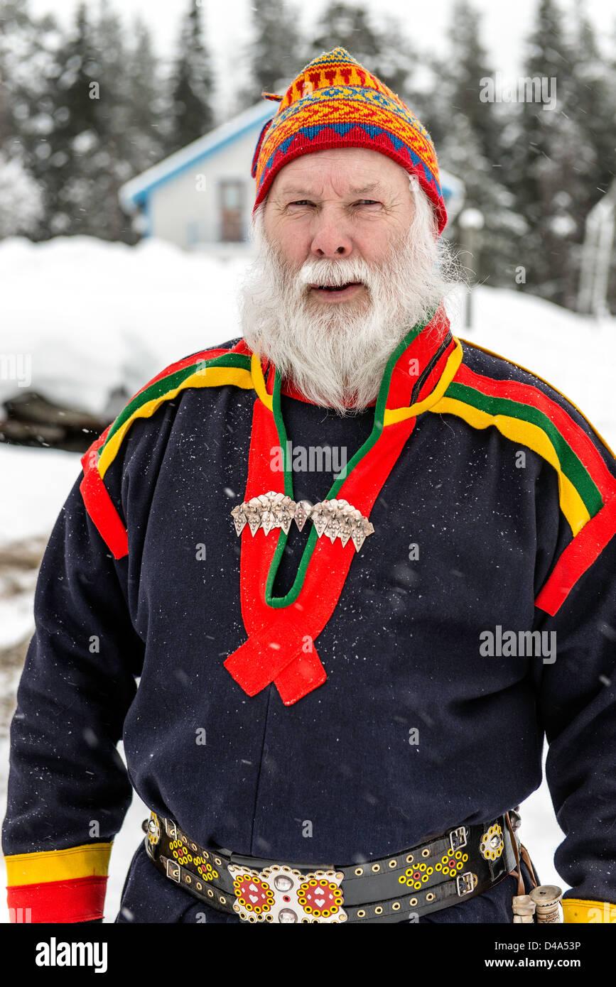 Popolazione Sami uomo con barba bianca ritratto Lapponia svedese Svezia Scandinavia Immagini Stock