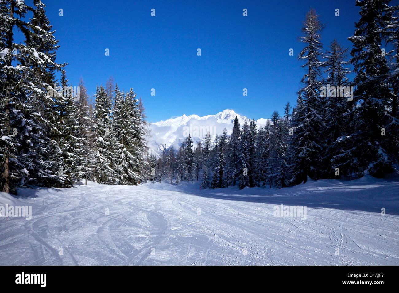 La mattina presto sulle piste di Les Arcs, Savoie, Francia, Europa Immagini Stock