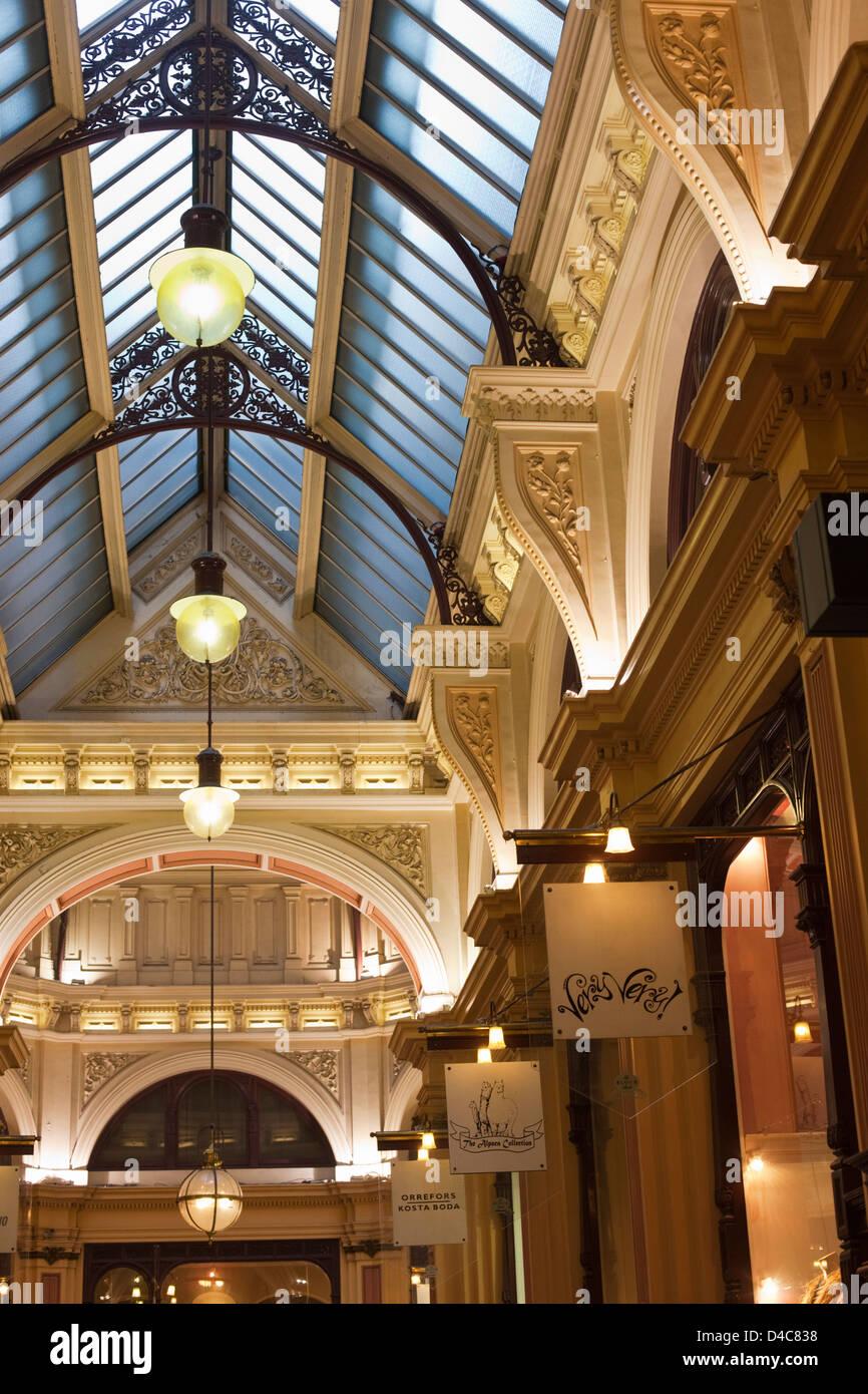 Architettura del XIX secolo nel centro storico di blocco Arcade. Melbourne, Victoria, Australia Immagini Stock