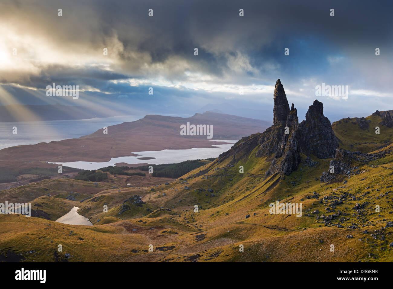 Drammatico paesaggio presso il vecchio uomo di Storr, Isola di Skye in Scozia. In autunno (Novembre) 2012 Immagini Stock
