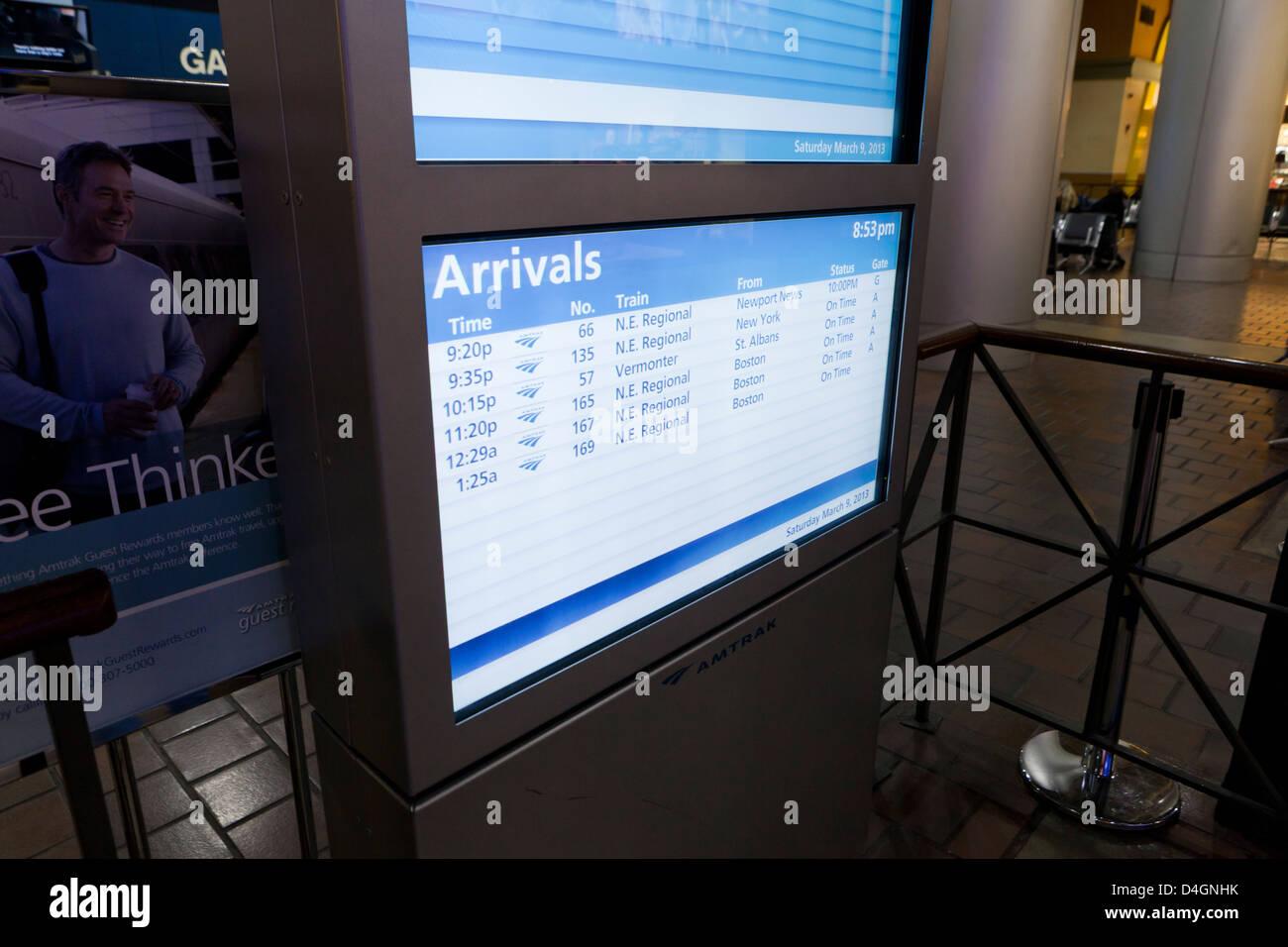 La stazione Amtrak di arrivo informazioni display - USA Immagini Stock