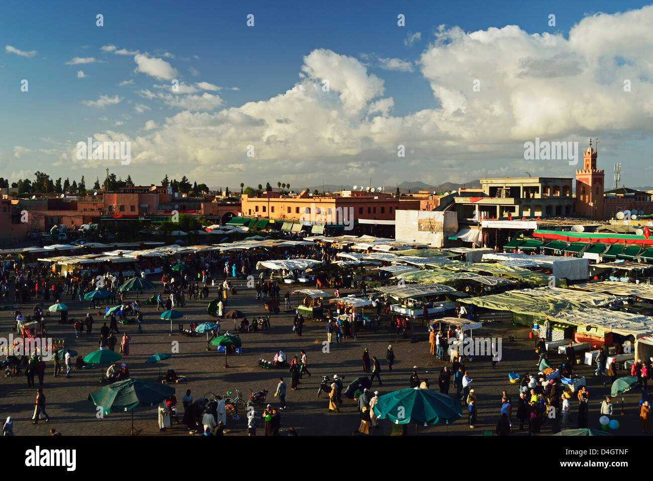 Jemaa El Fna, Medina, Marrakech, Marocco, Africa del Nord Immagini Stock