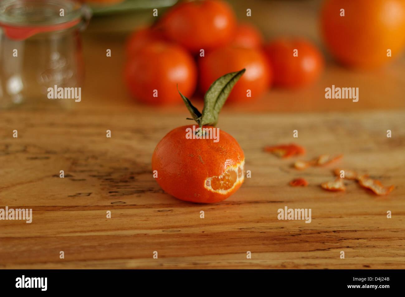Scorza di mandarino Foto Stock