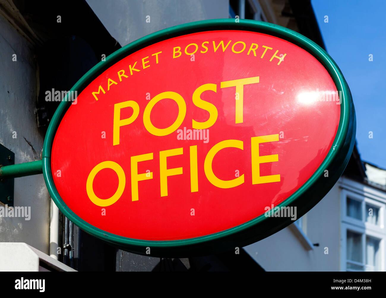 Ufficio postale locale segno nel centro della città, Market Bosworth, Leicestershire, East Midlands, Regno Immagini Stock