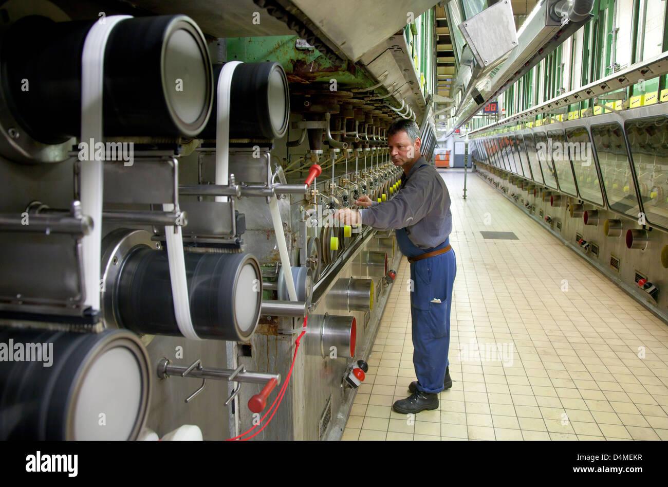 Dormagen, Germania, Dralon GmbH, acrilico la produzione della fibra nella filatura Immagini Stock