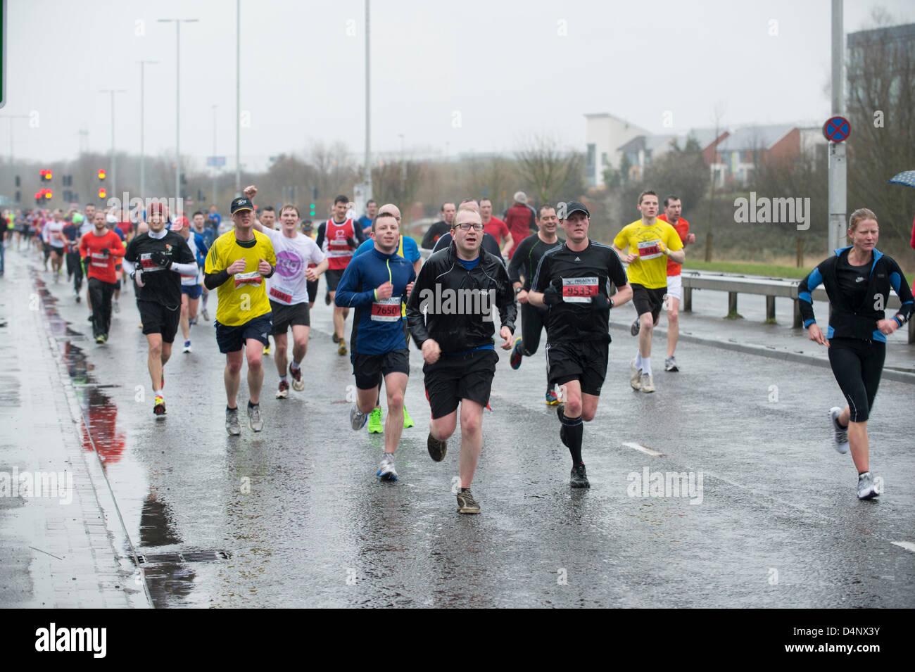La lettura di mezza maratona, REGNO UNITO, 17 marzo 2013, guide a xi miglio Immagini Stock