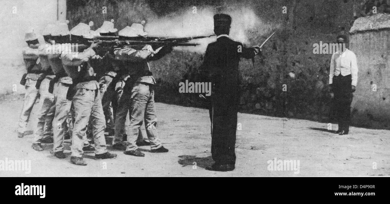 L'esecuzione di un catturato officer - Nessun impegno specifico e senza benda - esecuzioni di questo tipo hanno Foto Stock