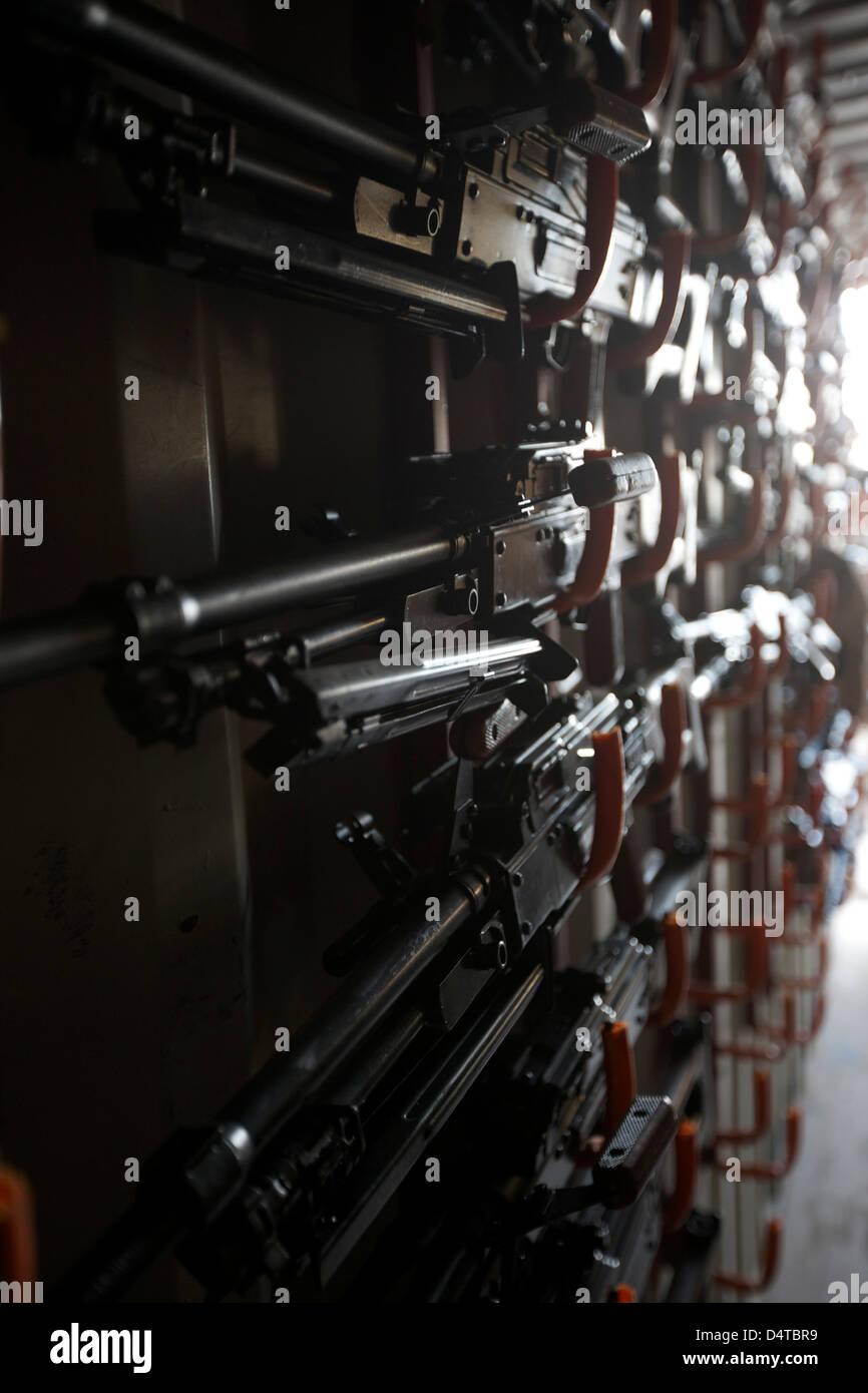 Un arsenale di PK 7,62 mm general-purpose pistole di macchina concepita in Unione Sovietica. Immagini Stock
