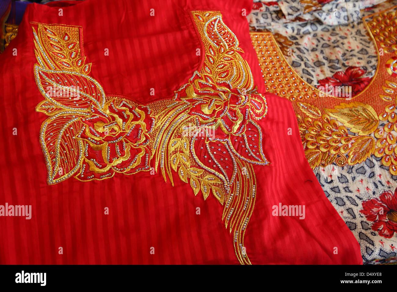 Vista dettagliata del ricamo tessili, Dubai, Emirati Arabi Uniti Immagini Stock