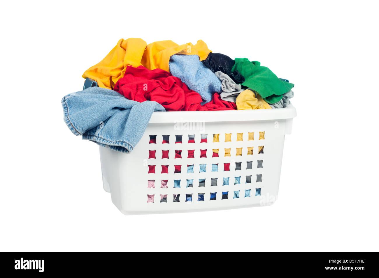 Cesto Per Panni Sporchi un cesto per la biancheria piena di vestiti sporchi pronto